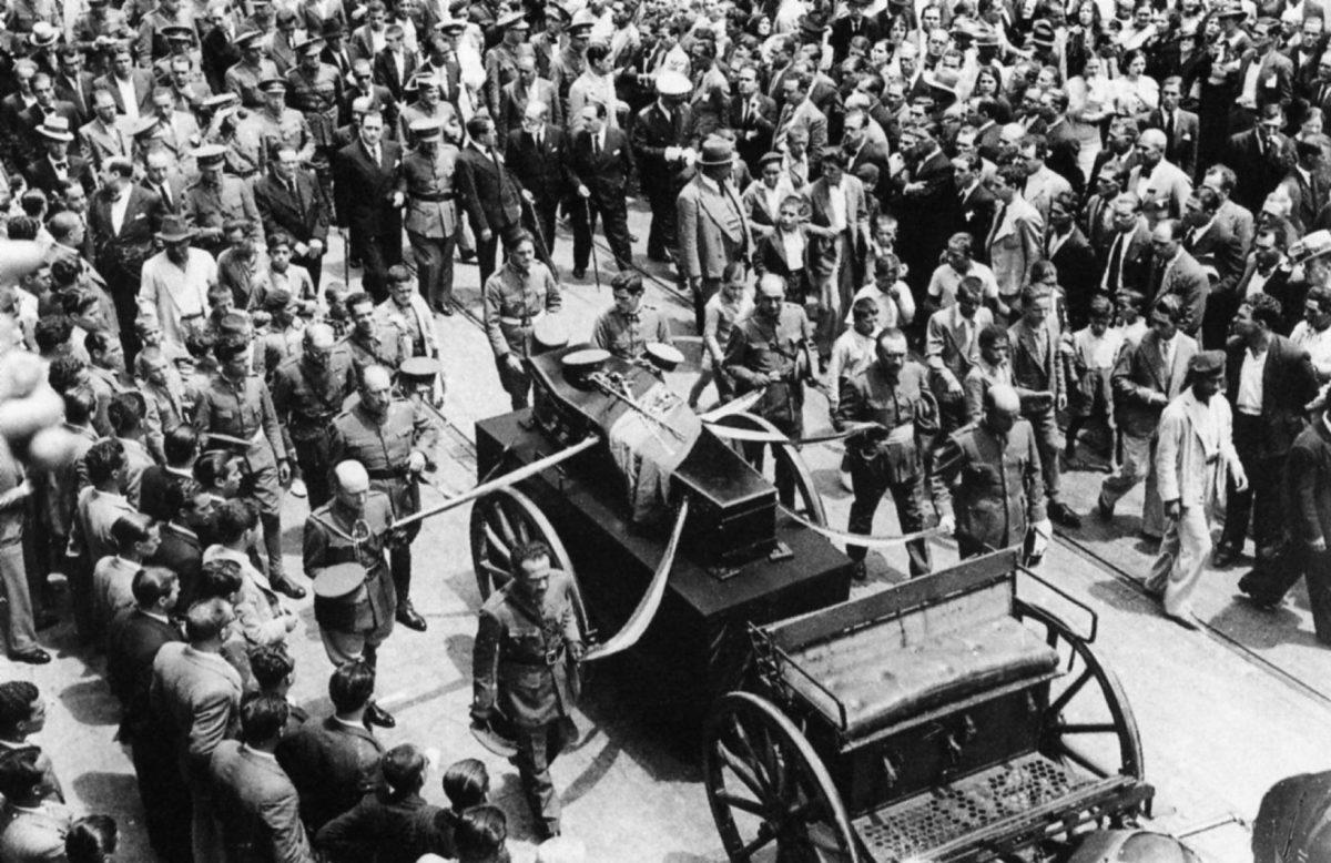 La autopsia del general Balmes apunta a Franco